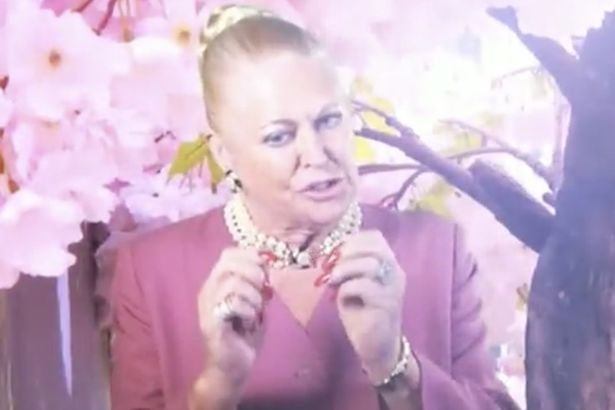 "Kim Woodburn Urges Big Brother's Lotan Carter To ""Masterbate"" While In The House"