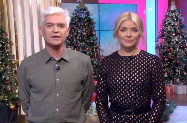 Holly Willoughby Admits She Has Hand Warmers In Her Bra As She Films This Morning Outside