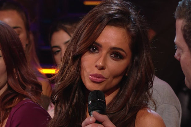 Cheryl Tells Simon Cowell She Wont Return To The X Factor If Louis Walsh Is On The Show!