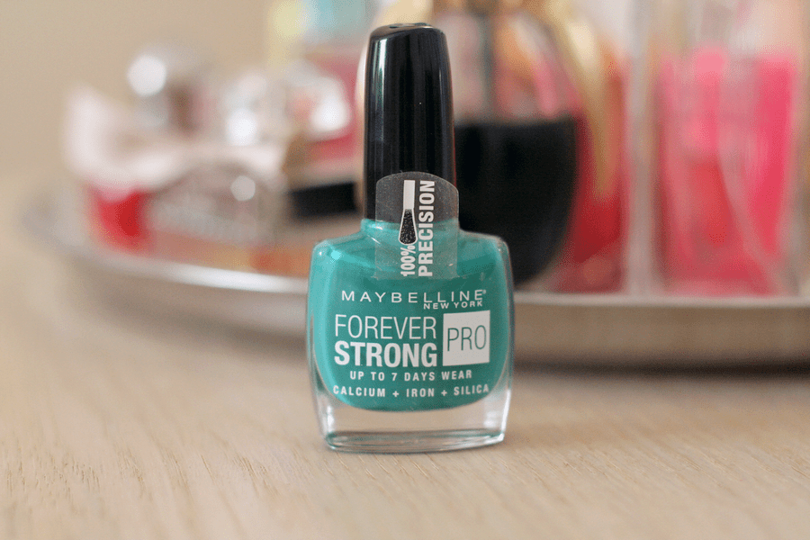 Maybelline Forever Strong Pro Nail Polish in Green Berry