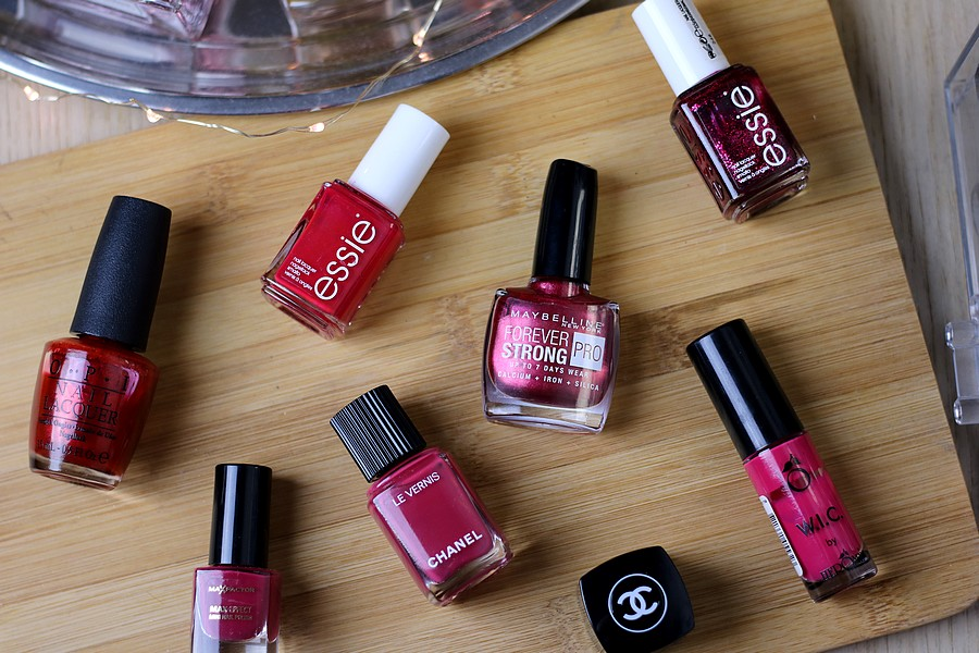 Merry Christmas: My Favourite Nail Polishes For The Holiday Season
