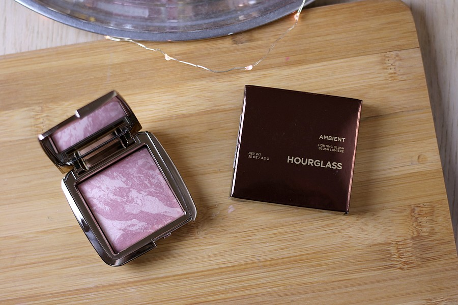 Hourglass Ambient Lightning Blush in Mood Exoposure
