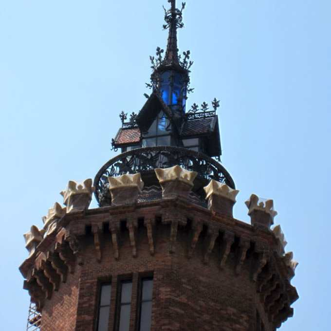 sehenswuerdigkeiten-barcelona-katalonien-reisetipps-spanien-Castell-dels-Tres-Dragons-details
