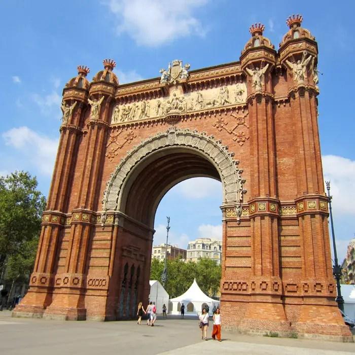 sehenswuerdigkeiten-barcelona-katalonien-reisetipps-spanien-arc-de-triomfe