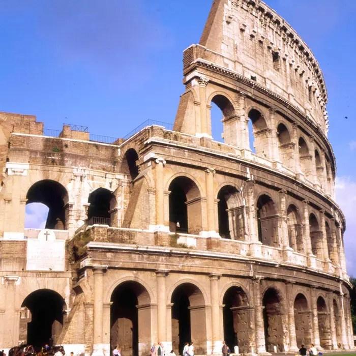 sehenswuerdigkeiten-rom-latium-reisetipps-italien-kolosseum