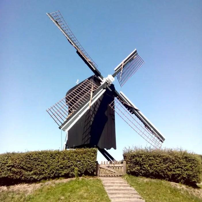 sehenswuerdigkeiten-groningen-reisetipps-niederlande-holland-bourtange-muehlenbastion-staendermuehle2