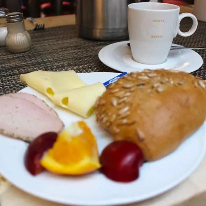 hotel-brauhaus-zum-loewen-muehlhausen-hoteltipp-deutschland-thueringen-fruehstueck-teller