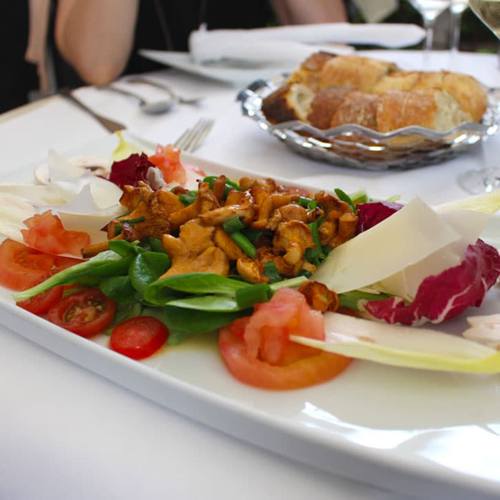 "restaurants-in-kassel-el-erni-appetizer ""width ="" 726 ""height ="" 726 ""srcset ="" https://www.nicolos-reiseblog.de/wp-content/uploads/2017/01/restaurants-in -kassel-el-erni-vorspeise.jpg 726w, https://www.nicolos-reiseblog.de/wp-content/uploads/2017/01/restaurants-in-kassel-el-erni-vorpeise-150x150.jpg 150w , https://www.nicolos-reiseblog.de/wp-content/uploads/2017/01/restaurants-in-kassel-el-erni-vorspeise-300x300.jpg 300w, https: //www.nicolos-reiseblog. DE / wp-content / uploads / 2017/01 / restaurants-in-kassel-el-erni-vorspeise-50x50.jpg 50w ""sizes ="" (max-width: 726px) 100vw, 726px ""/></p data-recalc-dims="