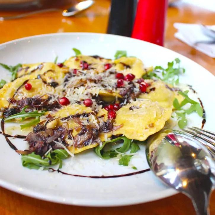"""restaurants-in-kassel-osteria-elis-levorato-enoteca-hoofdgerecht """"width ="""" 726 """"height ="""" 726 """"srcset ="""" https://www.nicolos-reiseblog.de/wp-content/uploads/2017/01 /restaurants-in-kassel-osteria-elis-levorato-enoteca-hauptspeise.jpg 726w, https://www.nicolos-reiseblog.de/wp-content/uploads/2017/01/restaurants-in-kassel-osteria- elis-levorato-enoteca-main-meal-150x150.jpg 150w, https://www.nicolos-reiseblog.de/wp-content/uploads/2017/01/restaurants-in-kassel-osteria-elis-levorato-enoteca- hoofdgerecht -300x300.jpg 300w, https://www.nicolos-reiseblog.de/wp-content/uploads/2017/01/restaurants-in-kassel-osteria-elis-levorato-enoteca- hoofdgerecht-50x50.jpg 50w """"maten = """"(max. breedte: 726px) 100 vw, 726px"""" /></p data-recalc-dims="""