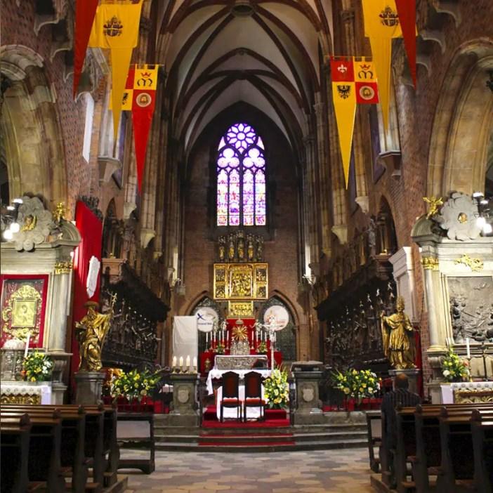 sehenswuerdigkeiten-breslau-niederschlesien-reisetipps-polen-dominsel-Breslauer-Dom-altar