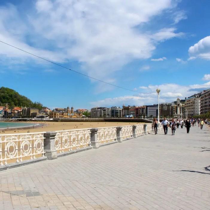 sehenswuerdigkeiten-san-sebastian-reisetipps-baskenland-reisetipps-spanien-promenade