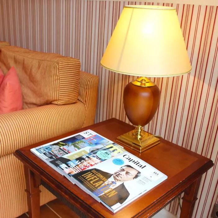 atlantic-Grand-Hotel-Travemuende-hoteltipp-deutschland-zimmer-zeitschriften