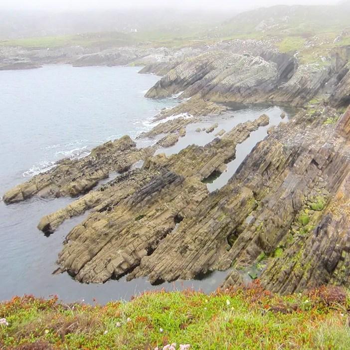 Rundreise-irland-reisetipps-irland-gesteinsschichten