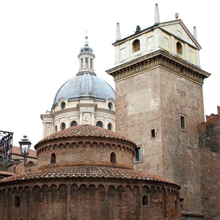 reisetipps-lombardei-reisetipps-italien-rundreise-lombardei-sehenswuerdigkeiten-mantua-rotonda-basilica-torre