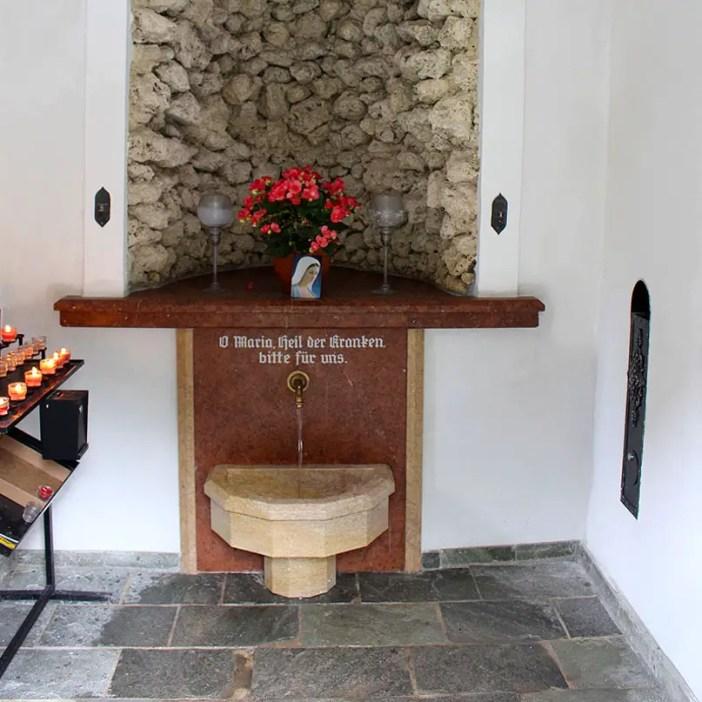 sehenswuerdigkeiten-kaiserwinkl-reisetipps-tirol-reisetipps-oesterreich-wallfahrtskirche-klobenstein-kapelle-quelle
