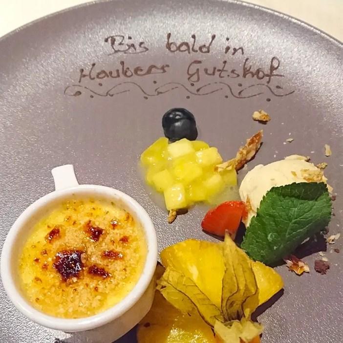 haubers-alpenresort-oberstaufen-allgaeu-bayern-hoteltipp-deutschland-dessert-creme-brulee