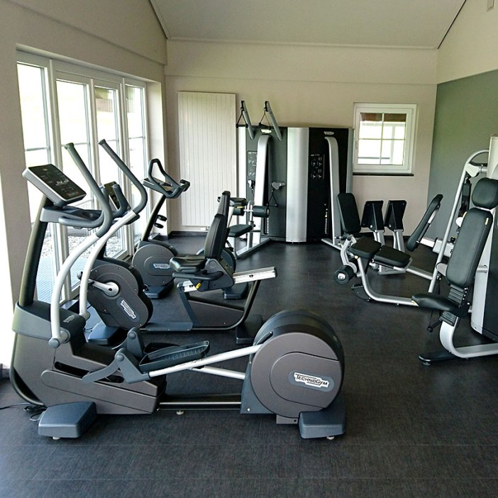haubers-alpenresort-oberstaufen-allgaeu-bayern-hoteltipp-deutschland-haus-am-see-fitness