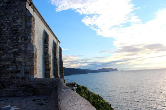 sehenswuerdigkeiten-Biskaya-costa-vasca-reisetipps-baskenland-reisetipps-spanien-Gaztelugatxe-kirche-blick