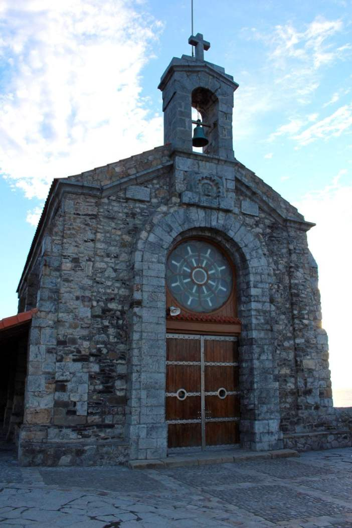 sehenswuerdigkeiten-Biskaya-costa-vasca-reisetipps-baskenland-reisetipps-spanien-Gaztelugatxe-kirche-hoch