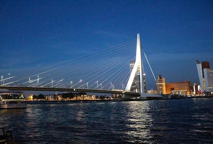 Was-muss-man-in-Rotterdam-gesehen-haben-erasmusbruecke