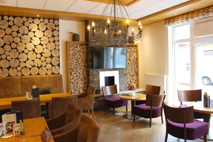 goebels-sophien-hotel-eisnach-hoteltipp-deutschland-thueringen-bar-lounge-kamin