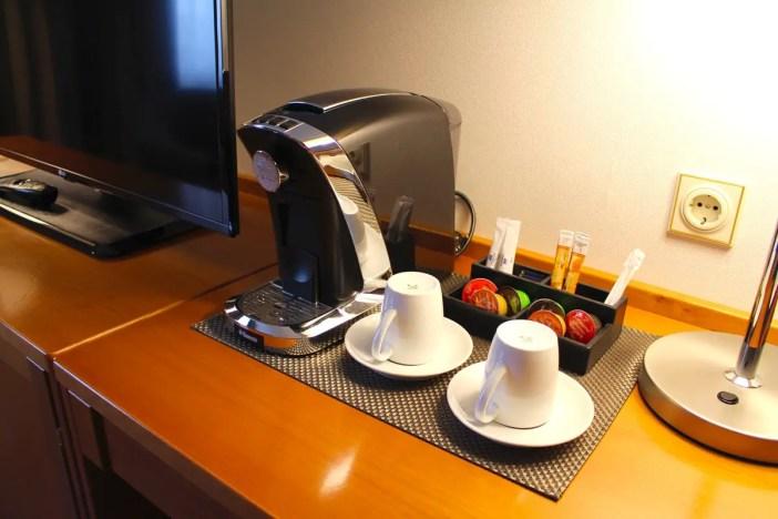 maritim-hotel-ulm-hoteltipp-deutschland-baden-wuerttemberg-zimmer-kaffeemaschine
