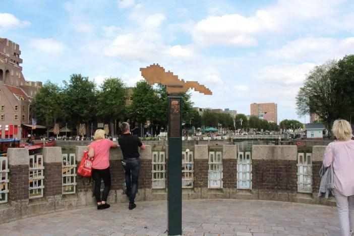 Sehenswuerdigkeiten-rotterdam-suedholland-reisetipps-holland-stele