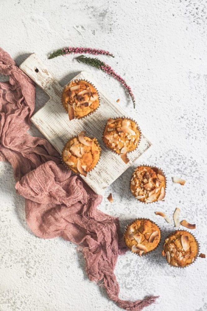 Muffinki dyniowe babeczki wegańskie i bezglutenowe zdjęcie z góry