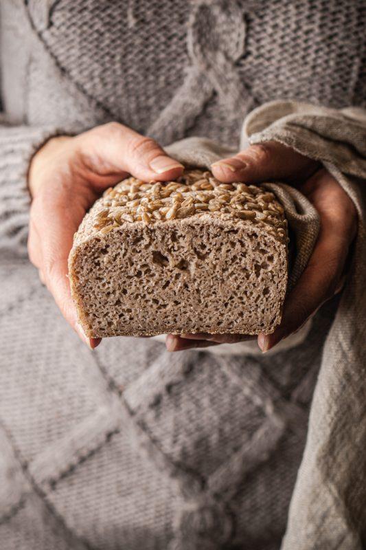 Chleb bezglutenowy foremkowy na zakwasie (bez skrobi)