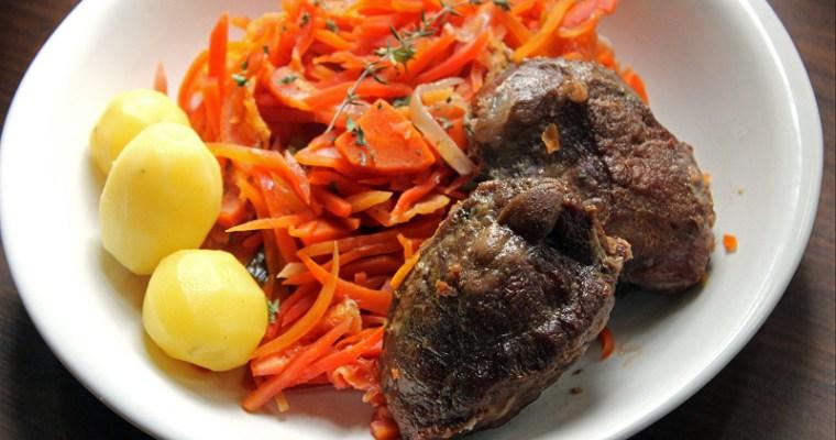 Joues de porc mijotées aux carottes suries à l'orange