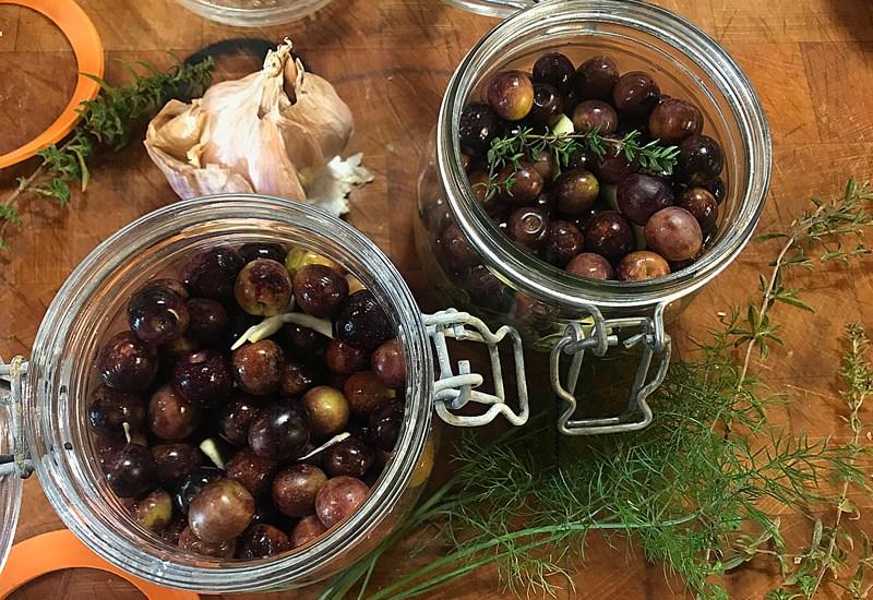 C'est la saison de préparer ses olives
