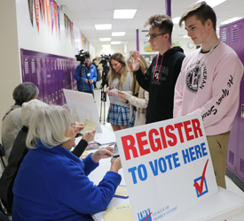 Students Register to Vote at Rockford Lutheran