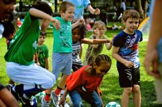 Gratis-Fußball in Battery Park