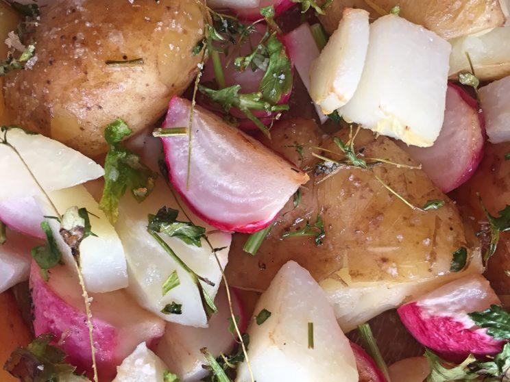 pieczone warzywa - ziemniaki, rzodkiewka, kalarepka