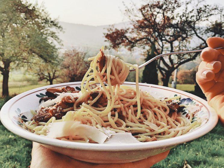 Spaghetti z rydzami - przepis