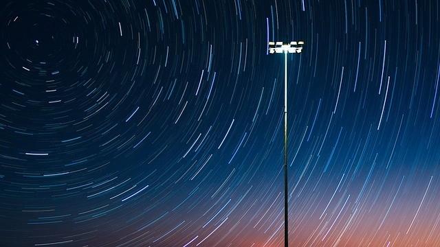 Наивный фонарный столб