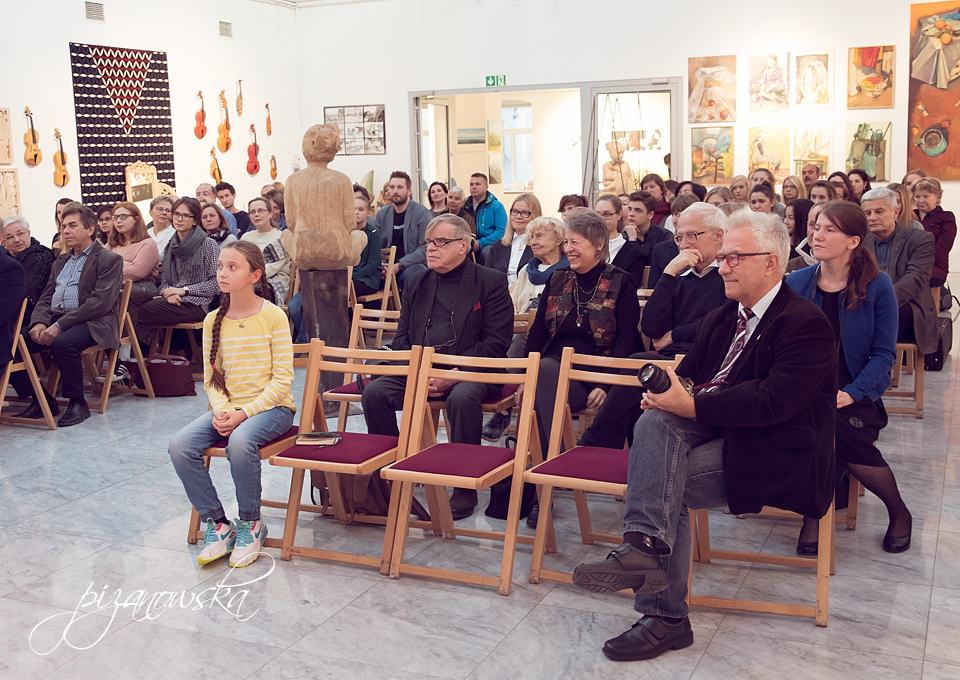 Publiczność na koncercie Zakopiańskiej Akademii Sztuki