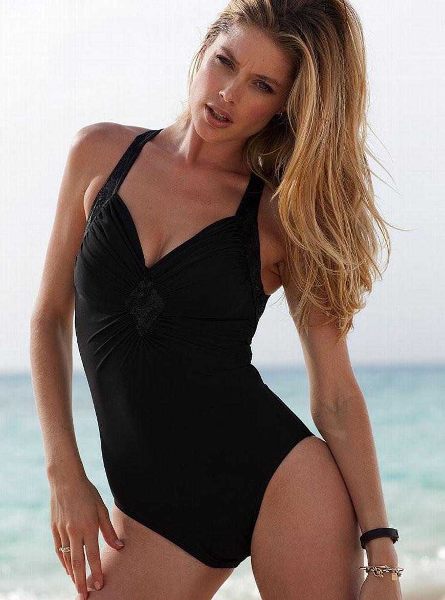 Doutzen Kroes - Victoria Secret Bikini (8)