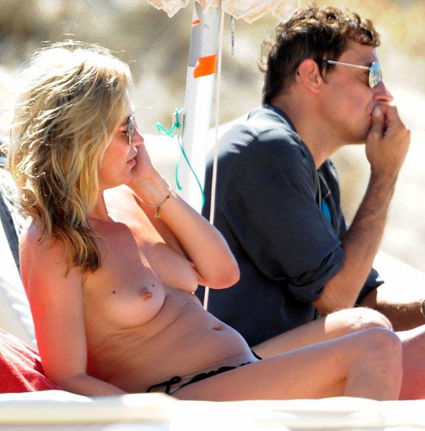 Kate Moss - topless  (2)