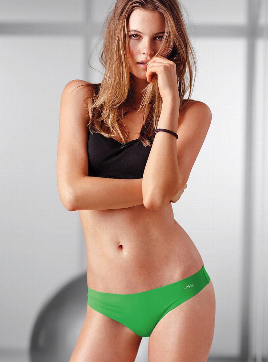 Behati Prinsloo - Victoria Secret (30)