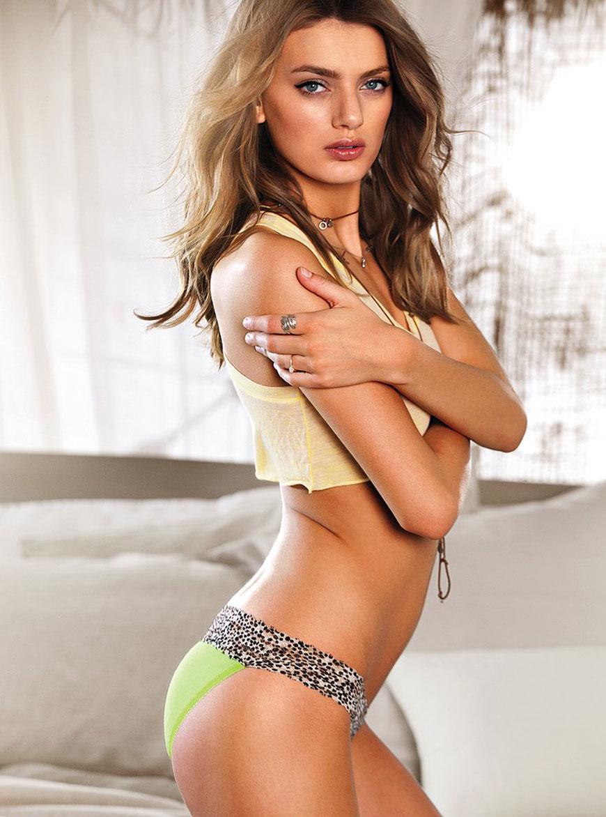 Bregje Heinen in lingerie (19)