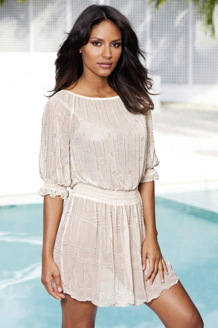 Emanuela de Paula lekker zomers gekleed (23)
