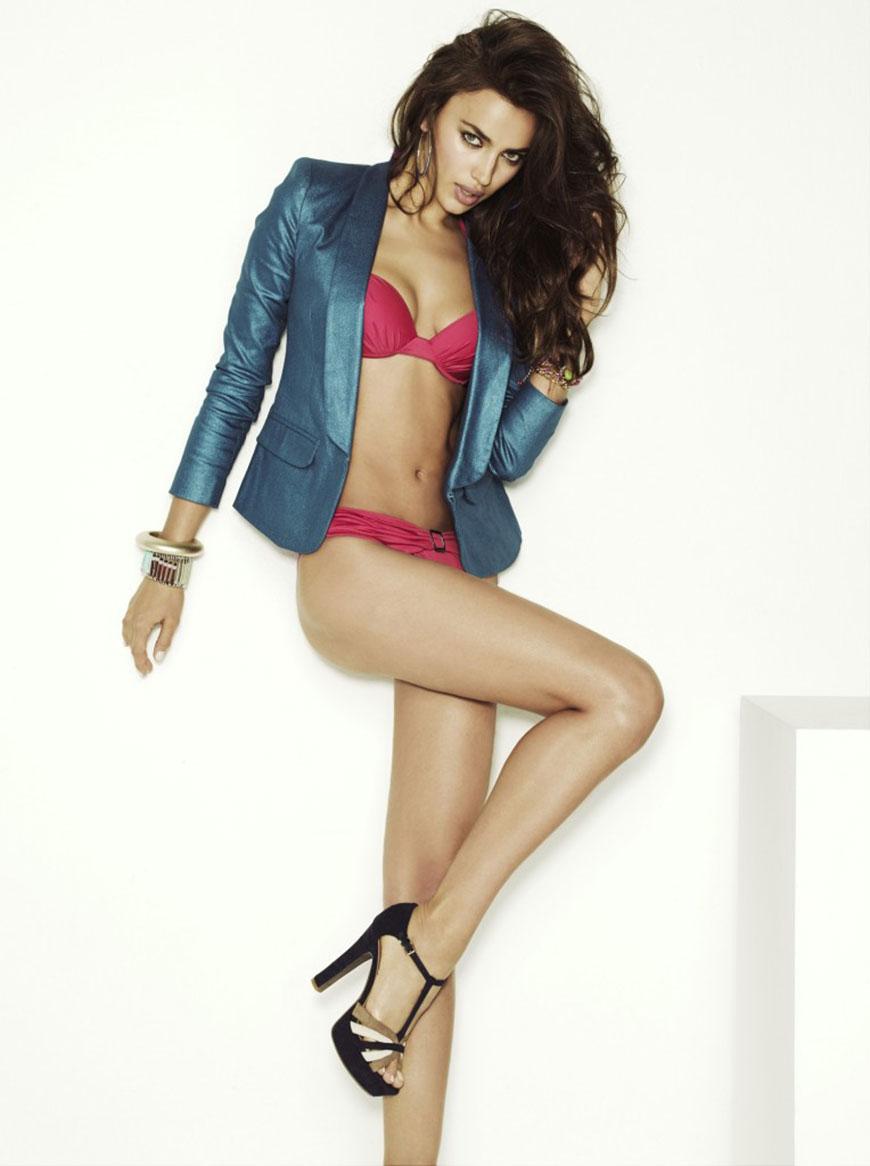 Irina Shayk sexy in bikini (21)
