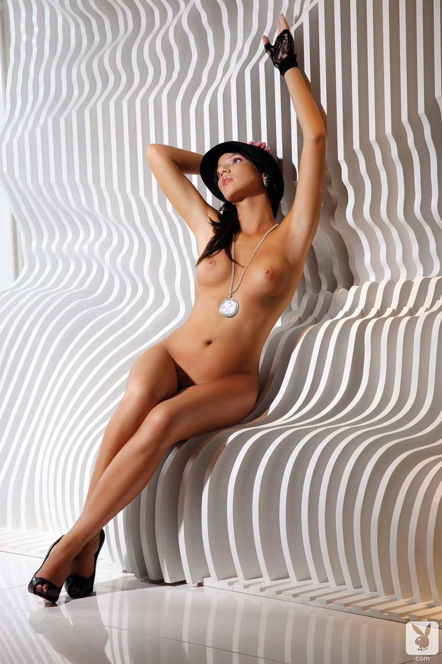 Josipa Marusic Glass - Playboy (21)