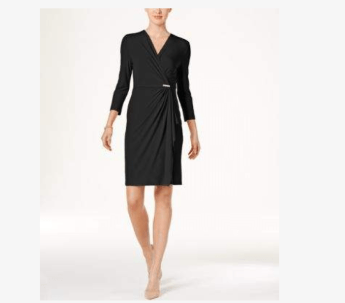 V neck, 3/4 length sleeves and side ruching makes this an excellent choice for wardrobe basic