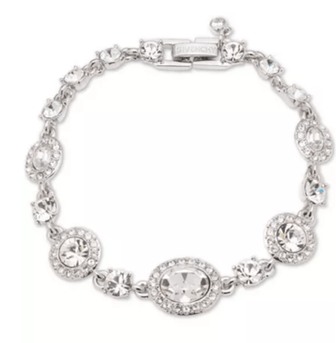 Crystal bracelet simple yet elegant adds the finishing touch