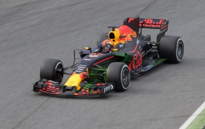 Max Verstappen, Red Bull Racing RB13, with Flow-Viz