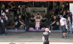 Perez, Force India garage
