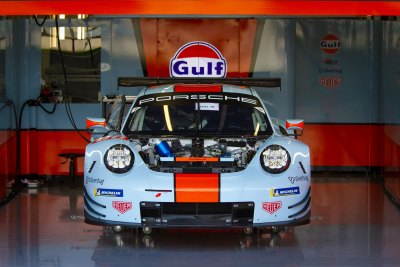 Gulf Racing Porsche in preparation
