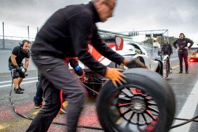 Pit lane, V de V endurance series Estoril November 2017